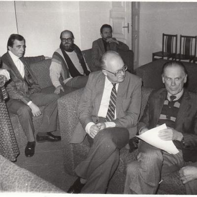 1992 m. lapkritis. Vilnius. Kompozitoriaus Vlado Jakubėno Lietuvoje draugijos steigiamasis susirinkimas