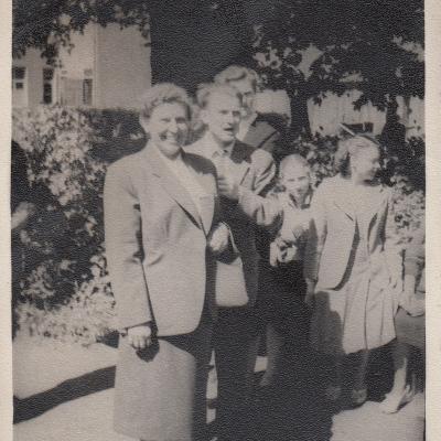 1956 m. Klaipėda. Su choro dirigavimo dėstytoja B. Daukintaite