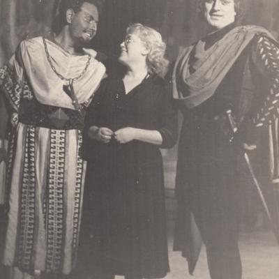"""G. Verdi """"Otelo"""" Rygos scenoje su V. Adamkevičiumi ir režisiere"""
