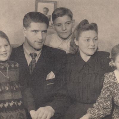 Su šeima 1951