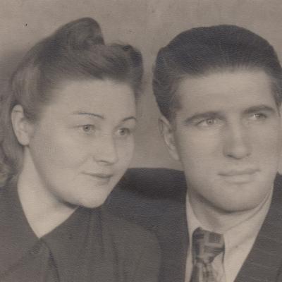 Su žmona 1945