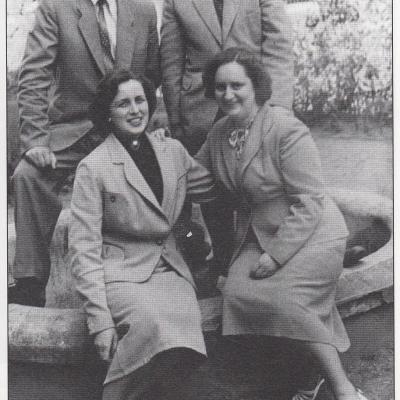 R. Vaitkevičienė, V. Krakauskaitė, A. Jozėnas, R. Žigaitis 1959 m.