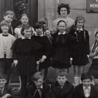 Su mokiniais 1972 m. Klovaitė, Karaliūtė, Staškus, Petras geniušas, Edmundas Kulikauskas