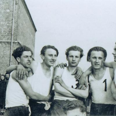 Krakių gimnazijos krepšinio rinktinė Kėdainiuose