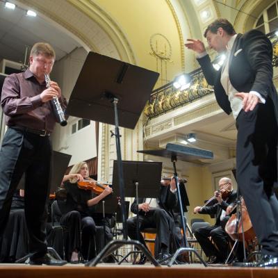 2014-03-22, Modestas Pitrėnas diriguoja LNSO, R. Beinaris, LNF archyvas, foto Dmitirijus Matvejevas