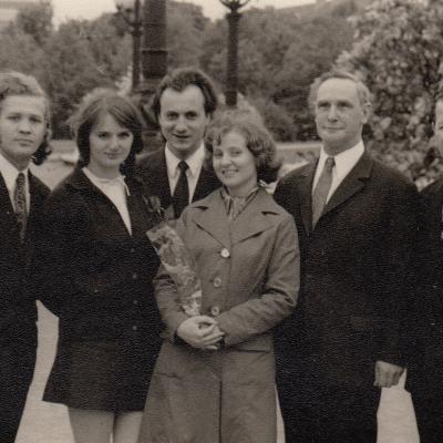 1975 m.