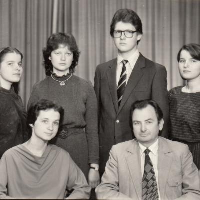 Su studentais 1985 m.