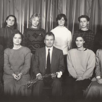Su studentais 1990 m.