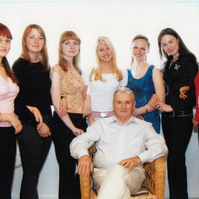 Su studentais 2003 m.