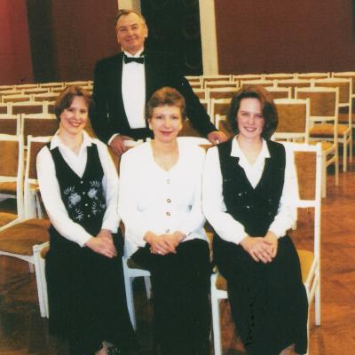 Kęstučio Grybausko pianistų kvartetas 1997-1998 m. sudėtis: V. Rindzevičiūtė, E. Krisinkėnienė, I. Venckus