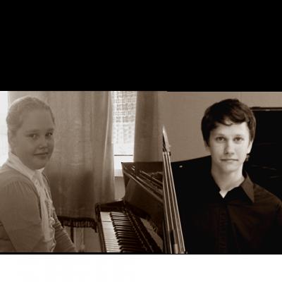 12. Violončelės ir fortepijono duetas (Lietuva, Panevėžys) Gabrielė Zuozaitė (fortepijonas), Vygaila Šulskis (violončelė) Ansamblį parengė Panevėžio muzikos mokyklos mokytoja Kornelija Petkutė ir mokytoja ekspertė Gražina Beleckienė.