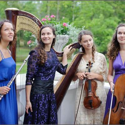 "22. ""Regnum Musicale"" (Lietuva, Vilnius) Joana Daunytė (arfa), Vita Marija Daunytė (fleita) Elena Daunytė (violončelė), Kotryna Ugnė Daunytė (smuikas)"
