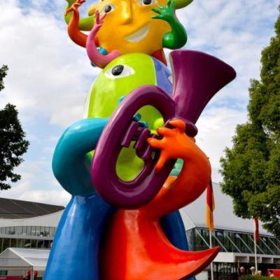 """Nuotr. Kerkradės miesto svečius pasitinka WMC festivalio simbolis """"Sveiki atvykę į Viva la Vida"""" (isp. Gyvenk ilgai)"""