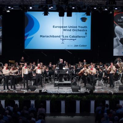 """Nuotr. Koncertas """"Latin America meets Europe"""" su Europos Sąjungos jaunimo pučiamųjų instrumentų orkestru (dirigentas Jan Cober) ir"""