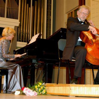 Armonas-Uss Duo koncertas Nac. filharmonijoje