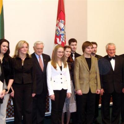 Konkursų laureatų  apdovanojimas  Prezidentūroje.