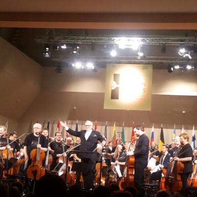 2017 05 05 100 violončelių koncertas