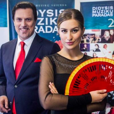 """DIDYSIS MUZIKŲ PARADAS 2015 prof. Vladimiras PRUDNIKOVAS (bosas), prof. Vytautas JUOZAPAITIS (baritonas), Ieva Barbora JUOZAPAITYTĖ (sopranas) ir prof. Nijolė RALYTĖ (fortepijonas)  Koliažas W. A. Mozarto operos """"Don Žuanas"""" temomis  https://www.youtube.com/watch?v=5iCaiODtyOI"""