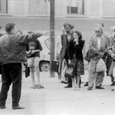 Gintas skelbia Gerąją naujieną Vilniaus centre, 1993 m., Algirdės Chodkevičiūtės nuotr.