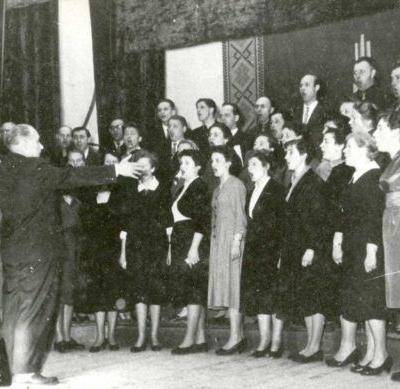 Chorvedžių seminaro choras Biržuose 1961 m. balandį. Vadovas Antanas Budriūnas.