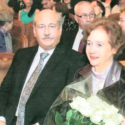 Birutė Karosienė su sūnumi Sauliumi