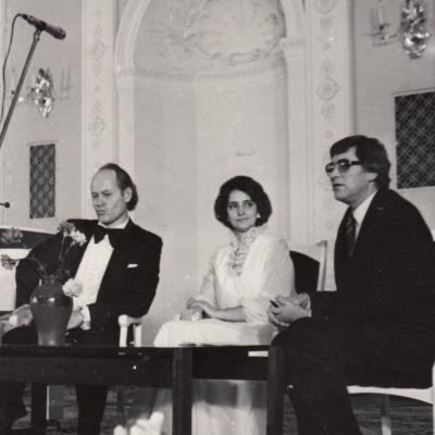 Kūrybos vakaras Menininkų rūmų baltojoje salėje. Vedėjas J. Bruveris 1984