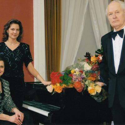Jubiliejinis kūrybos vakaras Rotušėje su žmona Melita ir dukra Eugenija 2007