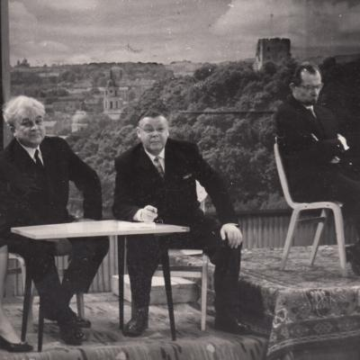 K. Kaveckas, J. Švedas ir poetai: V. Bložė, V. Palčinskaitė 1964 m.