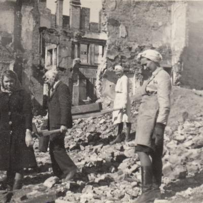 Pokario griuvėsiai