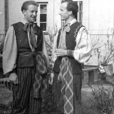 Liaudies dainų ir šokių ansamblio artistas, 1948 m.