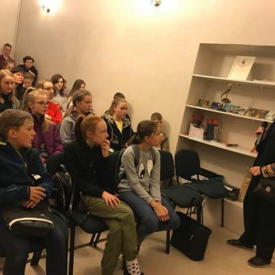 Medijų opera TRAVIATA su Jurbarko Antano Sodeikos meno mokyklos moksleiviais ir A. Sodeikos dukra Angele Sodeikaite-Mažeikiene