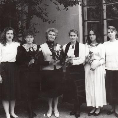 Iš kairės: R. Lukošiūnaitė, J. Rodzevičiūtė, A. Kupcevič, I. Budriūnienė, E. Sedalytė, I. Urbonaitė, G. Paukštytė, R. Čerkauskaitė