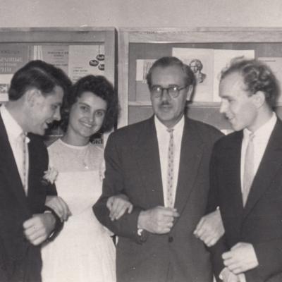 P. Bekeris su diplomantais Kinčinu, V. Sereika, I. Jurgelėnaite