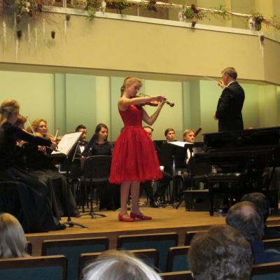Su Kauno miesto simfoniniu orkestru, diriguoja D. Pavilionis, 2015