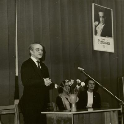 K. Petrausko 100-ųjų gimimo metinių minėjime Lietuvos nacionalinėje bibliotekoje. 1985 m