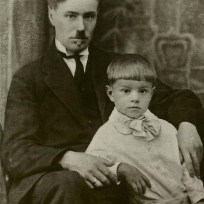 Rimas Geniušas su tėvu Juozu Geniušu. 1926 m.