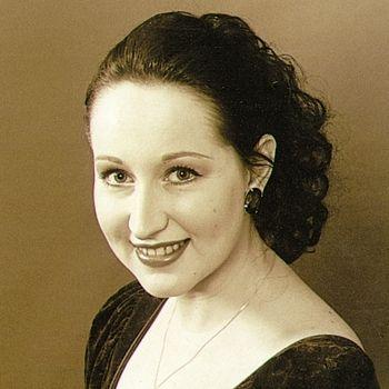 Julija Stupnianek-Kalėdienė