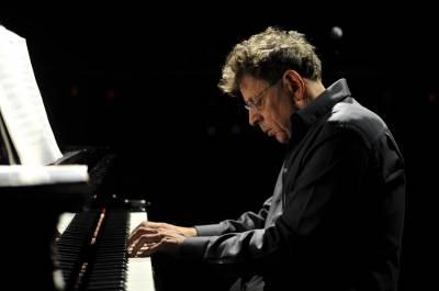 """""""Philipo Glasso dvigubas fortepijoninis koncertas ir perkusijos garsenybė Colin Currie"""""""