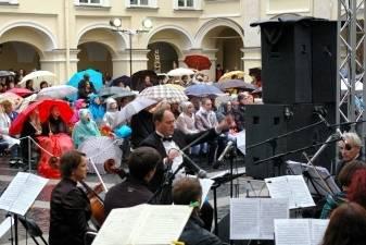 Ar kenkia lietus Mozarto Don Žuanui?