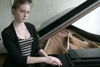 BVMA 2014. Susipažinkime: pianistė Agnė Radzevičiūtė