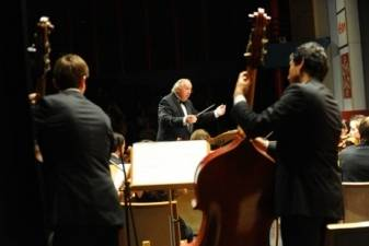 """Nemuzikinės muzikinio S. Prokofjevo pasakojimo """"Petriukas ir vilkas"""" transformacijos"""