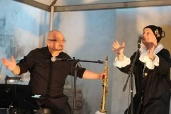 MUZIKOS GALERIJOJE  džiazo, dailės ir žodžio jungtys