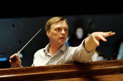 """Dirigentas M. Staškus apie muzikinį """"paštetą"""", optimizmą ir Kandidą"""