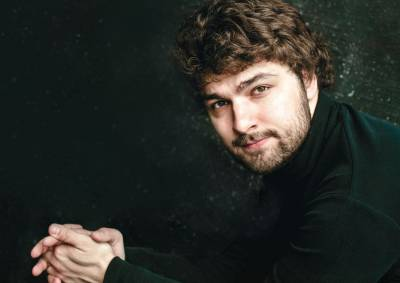 Lukas Geniušas pasirodys Lietuvoje su vienu įspūdingiausių fortepijoninių koncertų