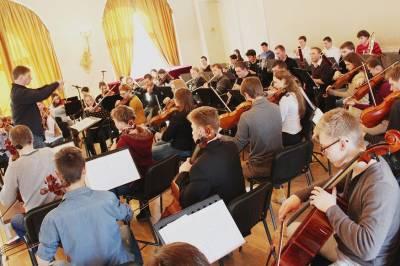 LMTA Simfoninis orkestras kviečia į rudens koncertus