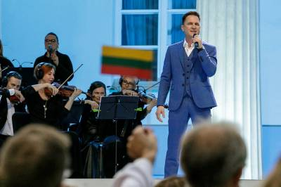 Lietuvos himną operos solistai užveda su ypatingu jauduliu