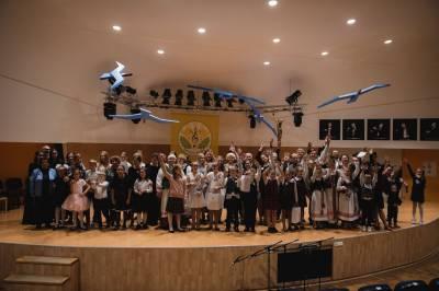 "Vilniuje nuskambėjo festivalio ""Gaidų pynė'2019"" baigiamojo koncerto garsai"