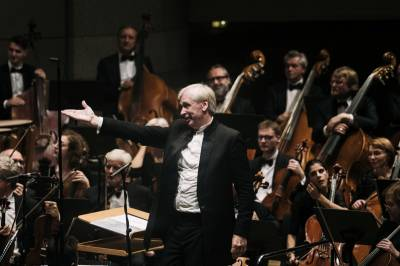 LVSO naujo pusmečio koncertuose – netikėtas orkestro gimtadienis ir Maestro jubiliejus