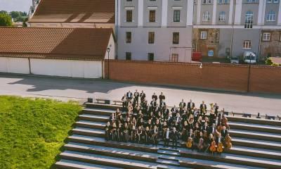 """Tris kartus """"Grammy"""" apdovanojimui nomituotas Kauno simfoninis orkestras pasitinka 15-ąjį gimtadienį"""