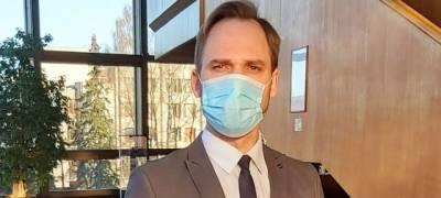 Vietoj atidėtos LNOBT premjeros kostiumų – apsauginės kaukės